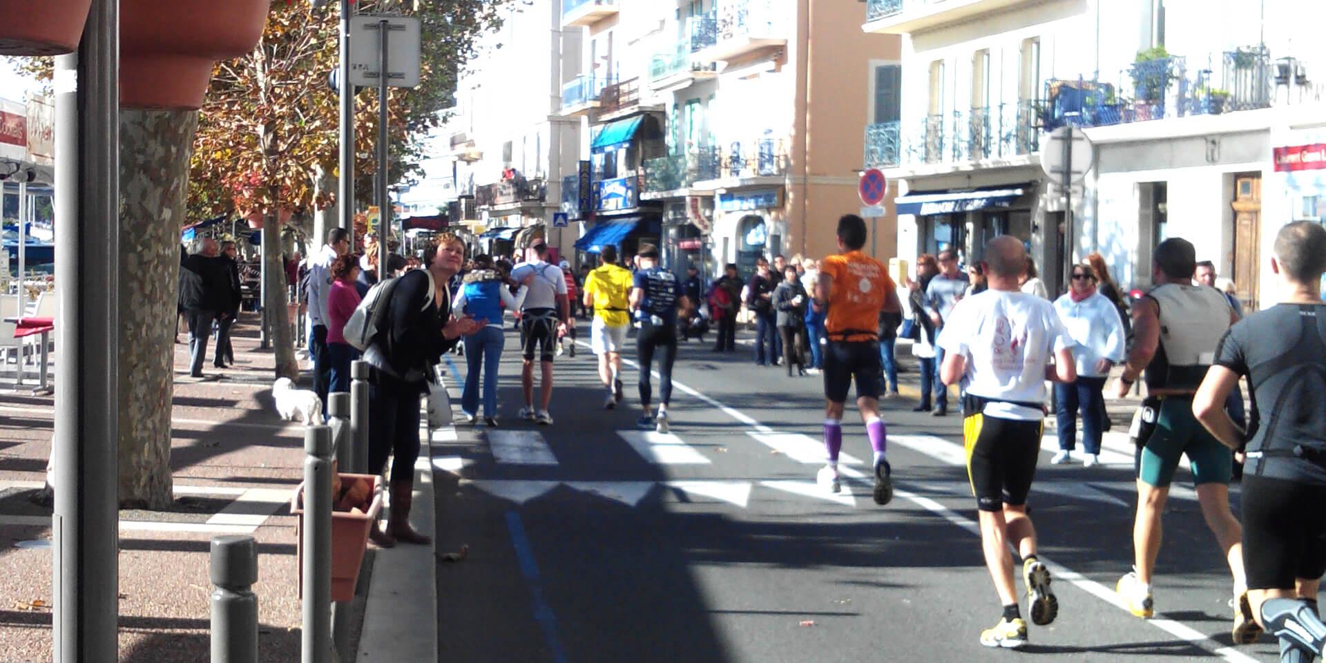 Coureurs du marathon Nice-Cannes, France