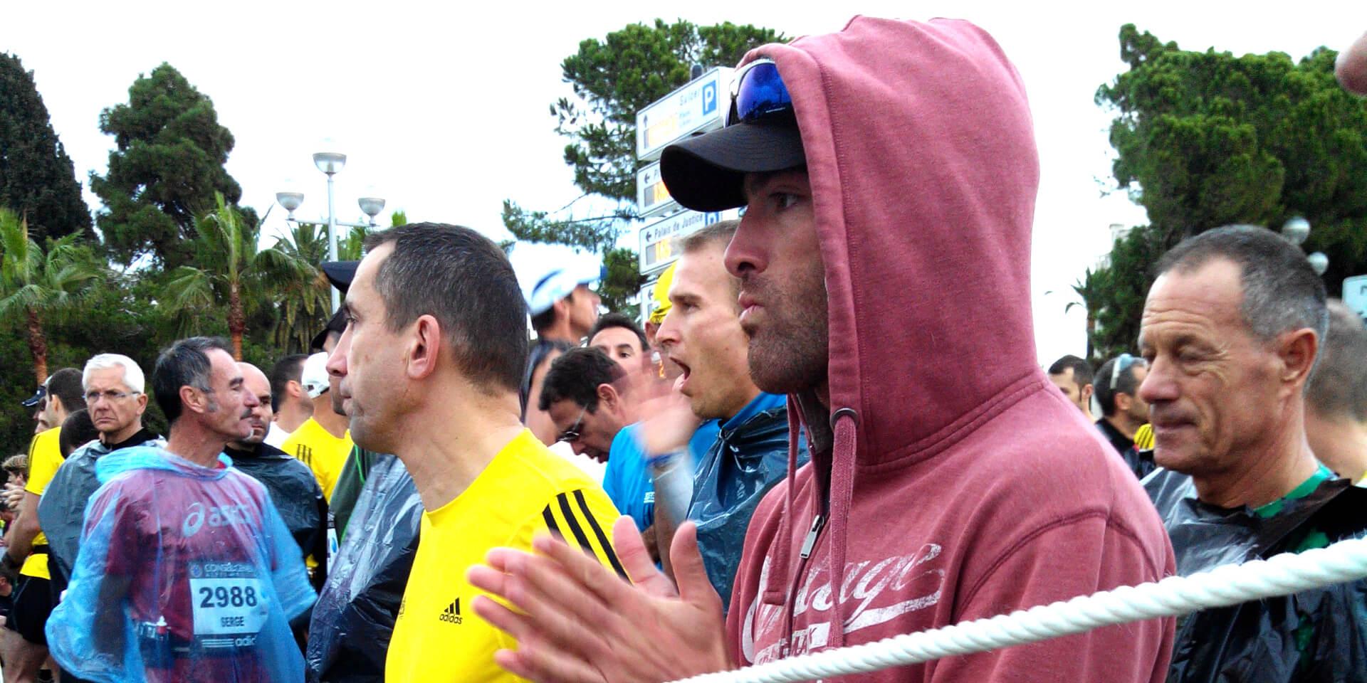 Coureurs au départ du marathon Nice-Cannes, France.